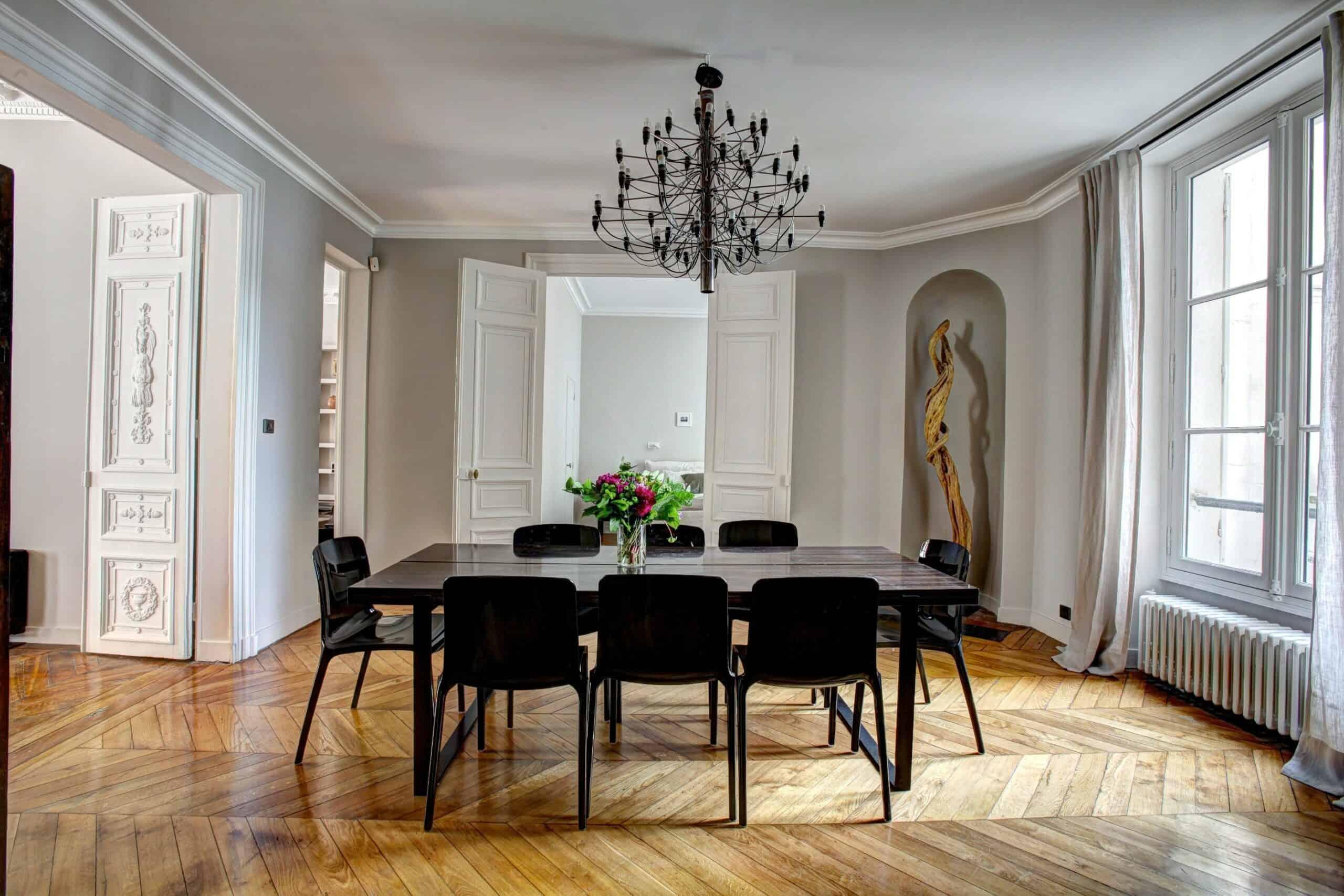 Klassiske Wegner-stole som vil klæde enhver spisestue